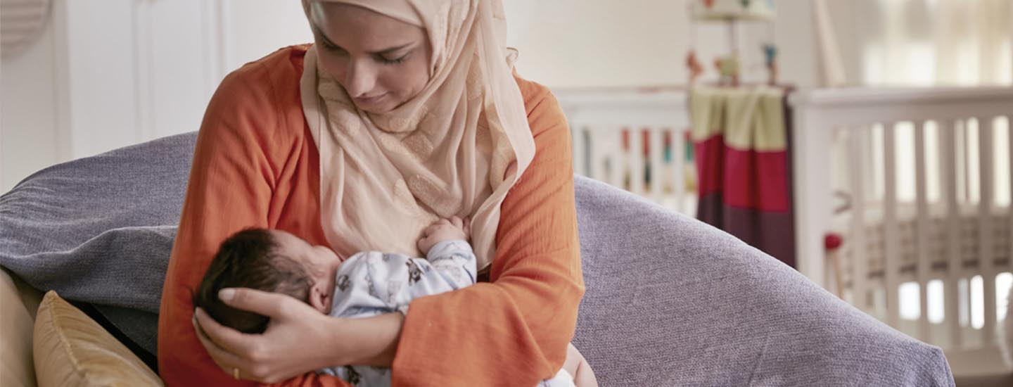 Baby feeding schedule and night feeds with breast milk